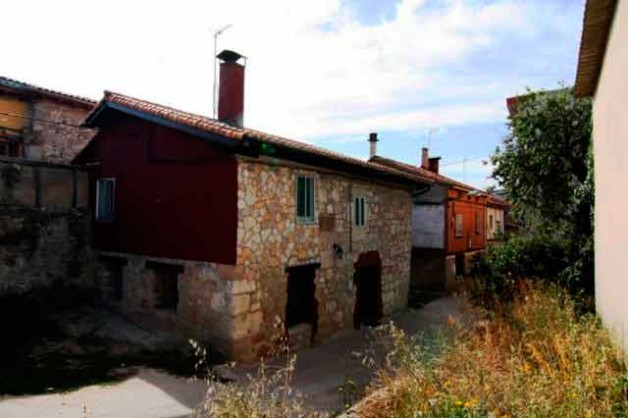 Casa Rural 2. (10+2 plazas), 550€